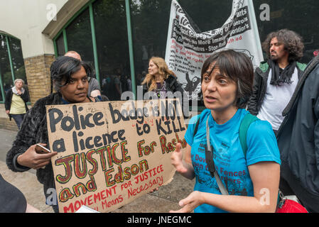 London, UK. 29th July, 2017. London, UK. 29th July 2017. Anna from Movement for Justice is interviewed at the protest - Stock Photo
