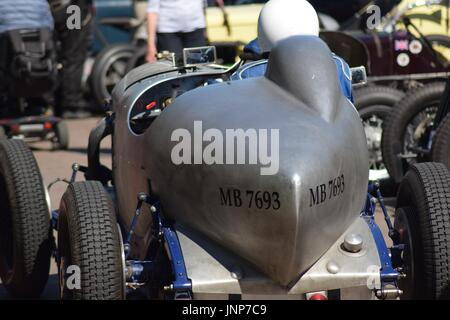 4.5 litre vintage bentley special with hand rolled aluminium boat tail body in the paddock at prescott hillclimb, - Stock Photo