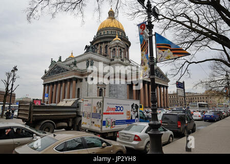 ST.PETERSBURG, RUSSIA - APRIL 28, 2016: Traffic on St. Isaac's square in Saint-Petersburg - Stock Photo