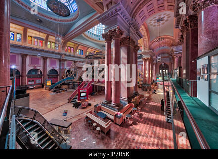 "Interior of the Royal Exchange in Manchester, featuring the ""theatre in the round"" - Stock Photo"