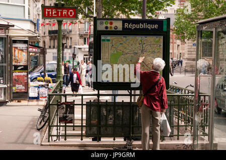 republique metro station sign stock photo royalty free image 18078546 alamy. Black Bedroom Furniture Sets. Home Design Ideas