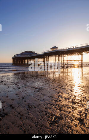 England, Norfolk, Cromer, Cromer Pier - Stock Photo