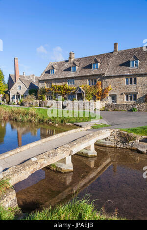 England, Gloucestershire, Cotswolds, Upper Slaughter - Stock Photo