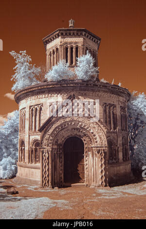 Glasgow necropolis city of the dead tomb Infra red camera - Stock Photo