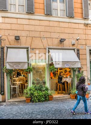 street scene in front of grano frutta e farina bakery and bistro/coffehouse, via della croce, 49/A , roma, lazio, - Stock Photo