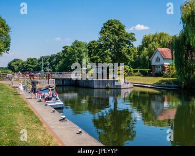 Boveney Lock, Buckinghamshire, Windsor, England - Stock Photo