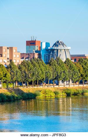 Netherlands, Limburg, Maastricht. Bonnefanten Museum on the Meuse (Maas) River, Wyck-Ceramique quarter. - Stock Photo