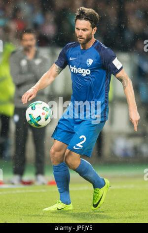 Bochum, Deutschland. 28th July, 2017. Tim HOOGLAND (BO), mit Ball, Einzelaktion mit Ball, Aktion, Fussball 2. Bundesliga, - Stock Photo