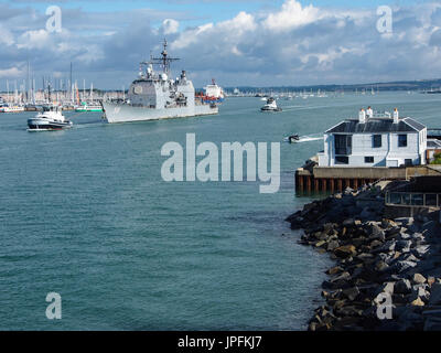 Portsmouth, Hampshire, UK. 01st Aug, 2017. The USS Philippine Sea, CG-58, a Flight II Ticonderoga-class guided missile - Stock Photo