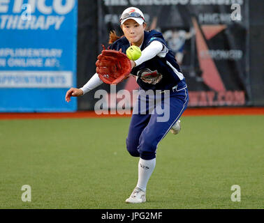 Chicago, USA. 1st Aug, 2017. Liu Yining of the Beijing Eagles fields the ball against the Chicago Bandits during - Stock Photo