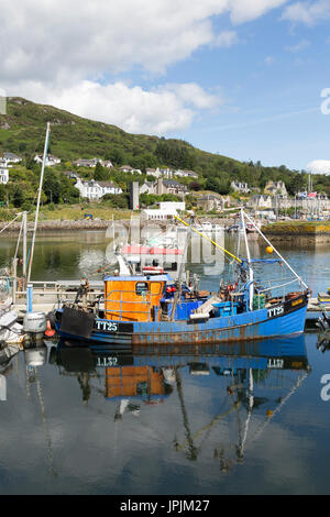 Tarbert Fishing Village, Loch Fyne, Scotland, United Kingdom - Stock Photo