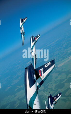 Team Rus, the Russian L-39 Albatross aerobatic formation team in a vertical dive - Stock Photo