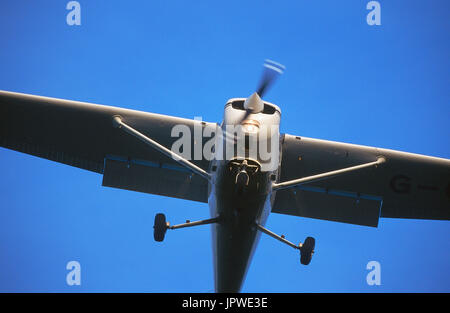 A Cessna 172 Skyhawk On Final Approach Stock Photo 164350963 Alamy