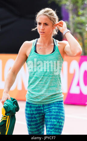London, UK. 03rd Aug, 2017. London, 03 August 2017. Wenda Nel of South Africa training at the warm-up track ahead - Stock Photo