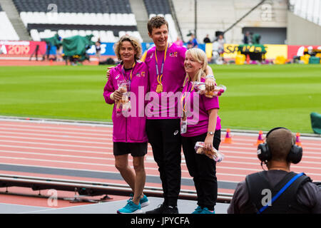 London, UK. 03rd Aug, 2017. London, 03 August 2017. Volunteers stand on the podium as rehearsals are held for the - Stock Photo