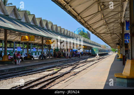 Yangon, Myanmar - Feb 13, 2017. People waiting at flatform of the Central Railway Station in Yangon, Myanmar. Yangon - Stock Photo
