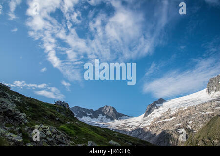 Trekking in the Zillertal seen here with the Greizer Hut mountain refuge and the Floiten Kees glacier - Stock Photo