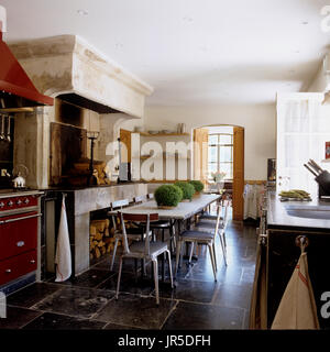 Rustic industrial style kitchen and dining room - Stock Photo