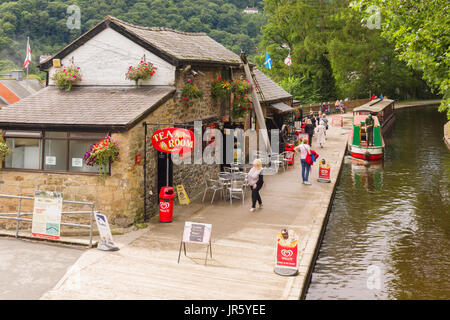 The old wharf in Llangollen now converted to tea rooms and the terminus for horse drawn narrow boat cruises - Stock Photo