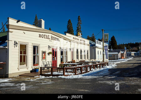 Royal Hotel (1878), and Maniototo County Council Offices (1878), in winter, Naseby, Maniototo, Central Otago, South - Stock Photo