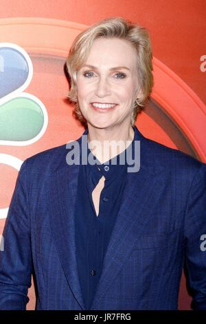 Beverly Hills, CA. 3rd Aug, 2017. Jane Lynch at arrivals for TCA Summer Press Tour: NBC Universal, The Beverly Hilton - Stock Photo