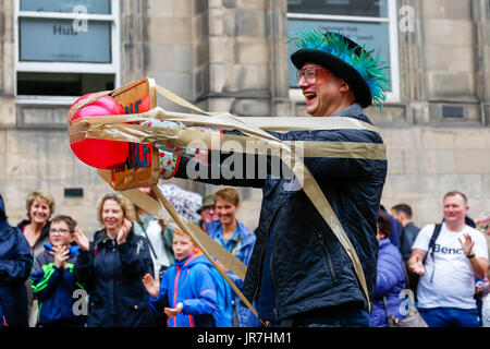 Edinburgh, UK. 4th Aug, 2017. The 70th Edinburgh Festival Fringe, the world's largest annual Arts Festival started - Stock Photo