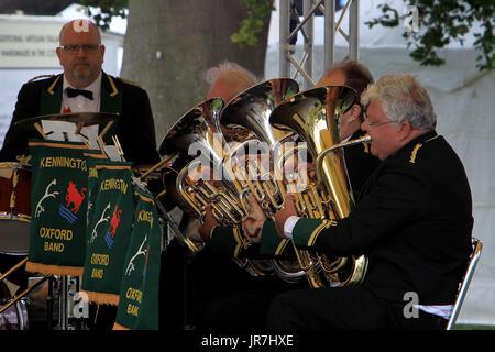Blenheim Palace, Woodstock, UK. 4th Aug, 2017. Members of Kennington Brass Band entertain vistors to the second - Stock Photo