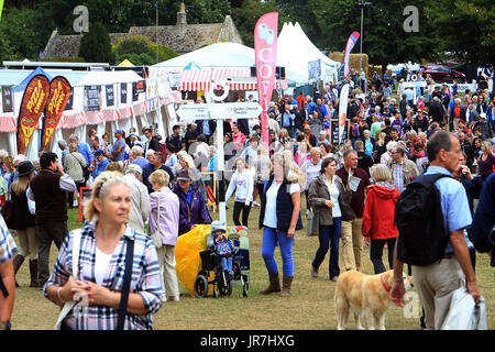 Blenheim Palace, Woodstock, UK. 4th Aug, 2017. Crowds packed into the second day of Countryfile Live at Blenheim - Stock Photo
