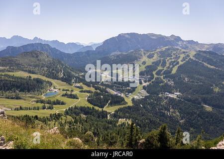 Nassfeld Pass (Passo di Pramollo in Italian), Nassfeld ski area in summer, Carnic Alps, Carinthia, Austria - Stock Photo