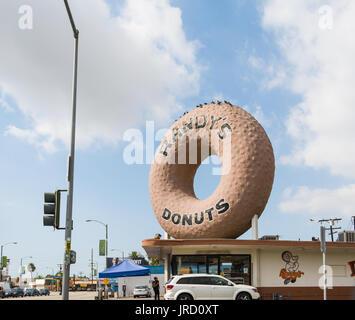 INGLEWOOD, CALIFORNIA - NOVEMBER 01, 2016: World Famous Randy's Donuts in California - Stock Photo