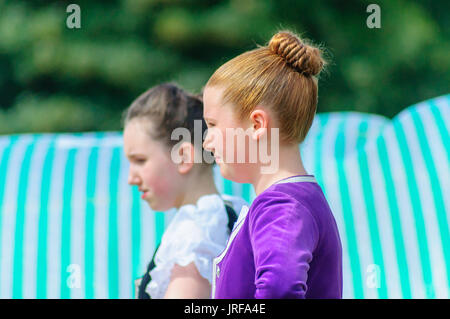 Dundonald, Scotland, UK. 5th August, 2017. Two young girls compete in the highland dancing. Dundonald Highland Games - Stock Photo