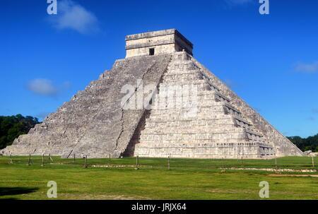 Temple warriors. Chichen itza .yucatan - Stock Photo