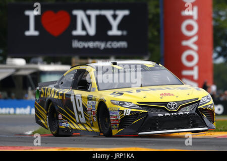 Watkins Glen, New York, USA. 5th Aug, 2017. August 05, 2017 - Watkins Glen, New York, USA: Daniel Suarez (19) brings - Stock Photo