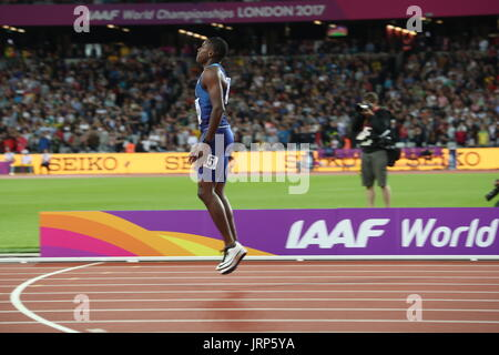 London, UK. 5th Aug, 2017. CHRISTIAN COLEMAN (USA), 21, pogo's for joy, as he reads score board to confirm he just - Stock Photo