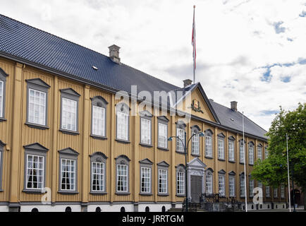 18th century Stiftsgarden Palace Royal Residence building. Munkegaten, Trondheim, Sør-Trøndelag, Norway, Scandinavia - Stock Photo