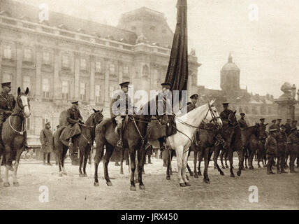 King Albert, Prince Albert & Prince of wales (future Edward VIII) reviewing British troops in Brussels - Stock Photo