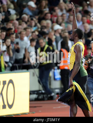 London, UK. 5th Aug, 2017. Superstar track phenom, USAIN BOLT, 30, waves to his parents and family, during his victory - Stock Photo