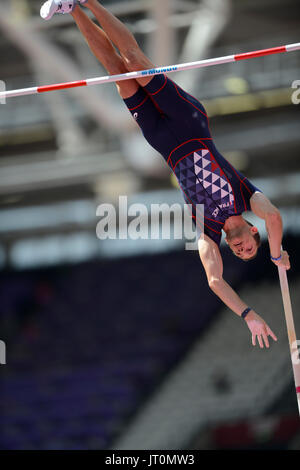 London, UK. 06th Aug, 2017. Renaud Lavillenie (France), world record holder in pole vault, clasifies to the finals - Stock Photo