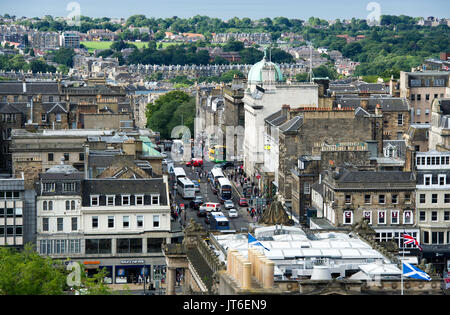 A view over the rooftop of the RSA on the Mound to Hanover street and Edinburgh's new town. - Stock Photo