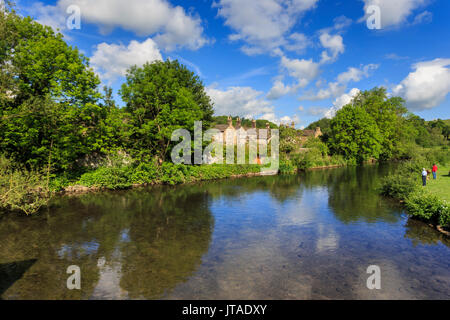 River Wye in spring, Bakewell, Historic Market Town, home of Bakewell Pudding, Peak District National Park, Derbyshire, - Stock Photo