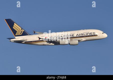 SINGAPORE AIRLINES AIRBUS A380 9V-SKG - Stock Photo