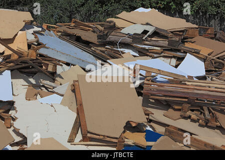 Rubbish, ignitable waste wood and chip records, in a disposal company, Abfall, brennbare Holzabfaelle und Spanplatten, - Stock Photo