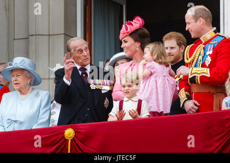 The British Royal family appear on the balcony of Buckingham Palace, London for the traditional fly past, following - Stock Photo