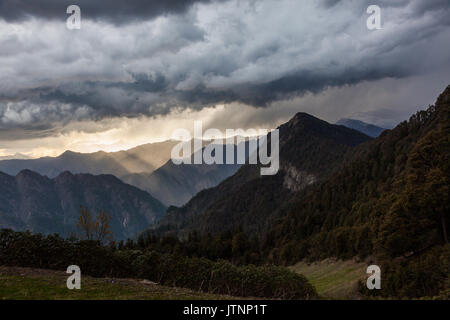 Himalayan landscape in Himachal Pradesh while trekking - Stock Photo