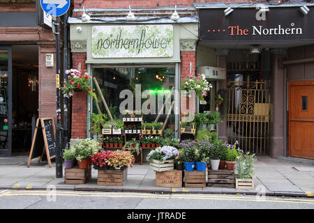 Flower shop in the Northern Quarter district of Manchester - Stock Photo