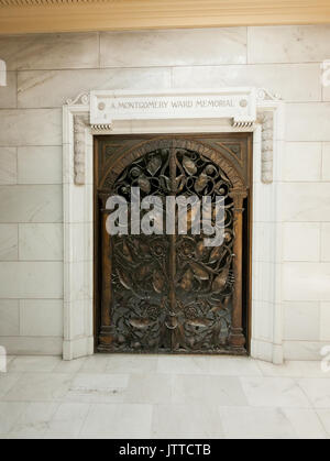 Facade of Montgomery Ward tomb at Rosehill Mausoleum in Chicago, Illinois. - Stock Photo