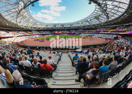 London, UK. 10th August 2017. IAAF World Championships. Day 7. Stadium atmosphere. Credit: Matthew Chattle/Alamy - Stock Photo