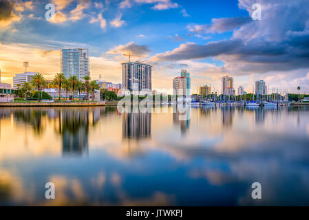 St. Petersburg, Florida, USA downtown city skyline on the bay. - Stock Photo