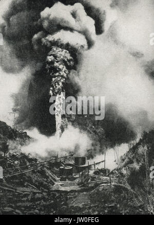 Oil wells in Galicia set on fire during Russian retreat, WW1 - Stock Photo