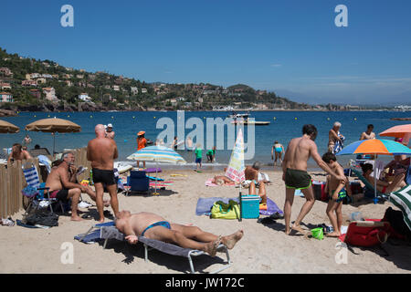 Magellan Beach at Port Théoule, Theole sur Mer, Côte d'Azur, French Riviera, Alpes-Maritimes department in south - Stock Photo